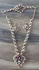 This Pin was discovered by ley Bead Jewellery, Wire Jewelry, Jewelry Sets, Beaded Jewelry, Jewelry Making, Ring Earrings, Beaded Earrings, Diy Jewelry Inspiration, Diy Schmuck