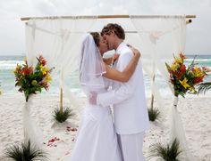 Beach Wedding Ideas On a Budget   Destin Beach Weddings With Budget In Mind