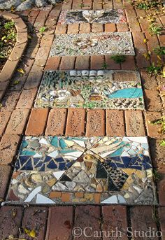 Mosaic Walkway, Pebble Mosaic, Mosaic Diy, Mosaic Crafts, Mosaic Projects, Stone Mosaic, Mosaic Stepping Stones, Mosaic Glass, Diy Garden Decor