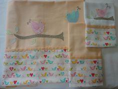 Enxoval de bebe - Jogo de lençol para mini berço Confeccionado por Maete Atelier www.facebook.com/maete.atelier teresi@globo.com