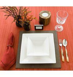 How to Set the Table When Serving Soup for Dinner < Stylish Table Settings for Every Occasion - MyHomeIdeas.com