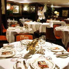 """Le Gavroche in London, the restaurant Lucas takes everyone out to dinner at in chapter 17 """"Faith in Us"""""""