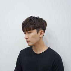 Korean Short Haircut, Korean Boy Hairstyle, Asian Haircut, Baby Boy Hairstyles, Permed Hairstyles, Jarhead Haircut, Perm Hair Men, Hair Perms, Ulzzang Hair