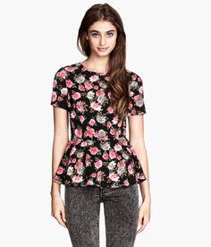 H&M erbjuder mode och kvalitet till bästa pris H&m Online, Dress Me Up, Blouse Designs, Black Tops, Fashion Online, Floral Tops, Kids Fashion, Stylish, Peplum