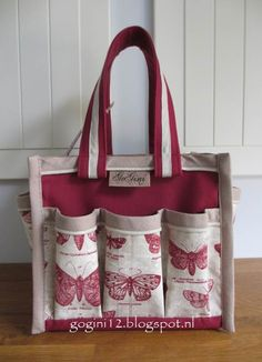 a handy scrapbooking Mini tote made by Gogini Our blog: www.gogini12.blogspot.nl and you can find us on Facebook at GoGini Totes