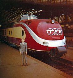 anzug, bahn, bahnhof, bahnsteig, Eisenbahn, Gleis, kind, Kindheit, mode, tee, Trans-Europ-Express, zug
