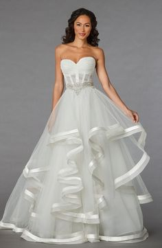 Sweetheart Princess/Ball Gown Wedding Dress  with Empire Waist in Organza. Bridal Gown Style Number:32848228