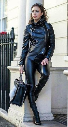 Leather pants - Another! Leather Pants Outfit, Leather Trousers, Leather Dresses, Faux Leather Leggings, Leather Jacket, Moto Jacket, Fashion Moda, Womens Fashion, Leder Outfits