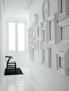 Great idea to use with MagScapes magnetic wallpapers and magnets. Using empty frames in the same colour as the wall to make decoration accents. A little different wall gallery display. Empty Frames, Frames On Wall, Wall Collage, Painted Frames, Wall Art, Nursery Frames, Framed Wall, Frame Collages, Framed Mirrors