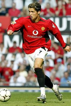 Cristiano Ronaldo's Manchester years: teeth whitening and a desire to be best player in the world Cristiano Ronaldo Manchester, Cristiano Ronaldo Cr7, Neymar, Cristano Ronaldo, Ronaldo Juventus, Ronaldo Soccer, Ronaldo Pictures, Soccer Pictures, Fifa