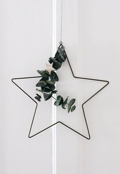 Dekoration Weihnachten - Nordic Christmas decorations with Rose & Grey Christmas Mood, Simple Christmas, Christmas Wreaths, Christmas Crafts, Homemade Christmas, Christmas Christmas, Navidad Simple, Navidad Diy, Scandinavian Christmas Decorations