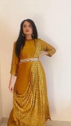 Party Wear Indian Dresses, Designer Party Wear Dresses, Indian Gowns Dresses, Dress Indian Style, Indian Fashion Dresses, Indian Designer Outfits, Fancy Dress Design, Stylish Dress Designs, Designs For Dresses