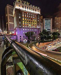 Viaduto do Chá by @danielf.tavares  #saopaulocity #EuVivoSP #viadutodocha Vale Do Anhangabaú, Urban Concept, Outside World, Small Places, Urban City, My Town, Wonderful Places, South America, Tiny House