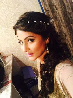 Gorgeous Hina Khan