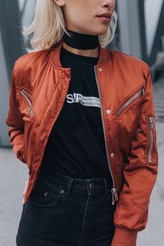 Latest Fashion Trends - This casual outfit is perfect for spring break or the summer. The Best of fashion in - Daily Fashion Outfits Daily Fashion, Dope Fashion, Fashion Men, Summer Fashion Trends, Latest Fashion Trends, Orange Bomber Jacket, Mode Dope, New Street Style, Casual Outfits