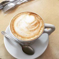 Começando meu dia como gosto: café com leite   =  #tksgod