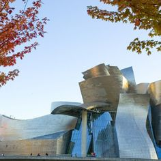 Designed by American architect Frank Gehry, the Guggenheim Museum Bilbao building represents a magnificent example of the most groundbreaking.