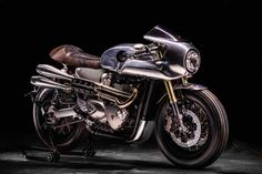 Spirit Racer - Hedonic Triumph Thruxton R           ~            Return of the Cafe Racers