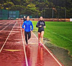 Lauren Fisher and Camille: Nice morning session with Chris hinshaw… Running under the rain … Yes the inlay day I am in San Diego...
