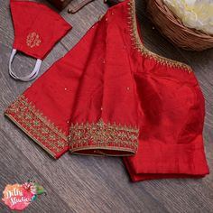 Hand Work Blouse Design, Simple Blouse Designs, Silk Saree Blouse Designs, Bridal Blouse Designs, Churidar Designs, Designer Blouse Patterns, Red Silk, Indian Beauty, Hand Embroidery