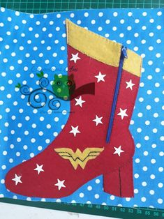Quiet book boot Wonder woman zipper
