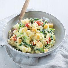 Raapstelen stamppot - Lekker voorjaarsrecept - Leuke recepten Vegetarian Recipes, Healthy Recipes, Kiss The Cook, Potato Salad, Menu, Favorite Recipes, Vegan, Quiche, Ethnic Recipes