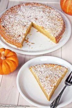 Juicy Pumpkin Pie - Life Is Full Of Goodies- Saftiger Kürbiskuchen – Life Is Full Of Goodies Juicy pumpkin pie - Healthy Dessert Recipes, No Bake Desserts, Easy Desserts, Baking Recipes, Tart Recipes, Simple Recipes, Fall Soup Recipes, Pumpkin Pie Recipes, Pumpkin Puree
