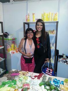 Miss Tarija - visitando el Stando de Creaciones Anykar en la Feria del Sur en la ciudad de Tarija!