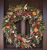 Example of a Colonial Williamsburg wreath made of natural elements. http://www.history.org/foundation/