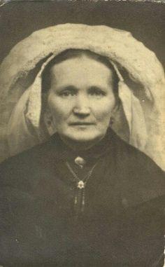 Mieke Bennenbroek....vrouw van Jan van Deursen......uit Deurne....met Poffer.