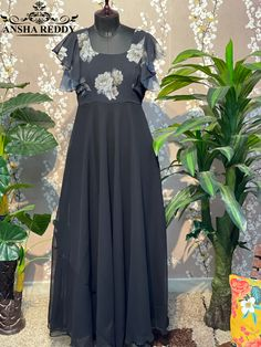 Lehenga Gown, Anarkali Dress, Trendy Dresses, Long Dresses, South Indian Wedding Hairstyles, Frock Patterns, Long Dress Design, Half Saree Designs, Blouse Back Neck Designs