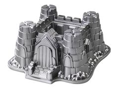 Nordic Ware Pro Cast Castle Bundt Pan.  What  neat cake this would make for Halloween !!!  A CASTLE !!!!