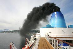 A indústria de cruzeiros marítimos vive um pesadelo. Uma tradicional ONG ambiental acusa os gigantes transatlânticos de prejudicarem fortemente o ar, clima,