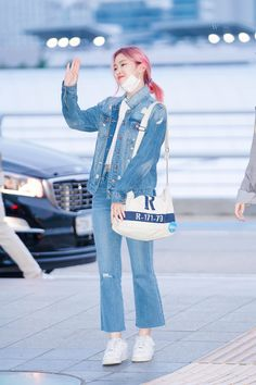 Kpop Outfits, Korean Outfits, Girl Outfits, Casual Outfits, South Korean Girls, Korean Girl Groups, Programa Musical, Mark Jackson, Airport Style