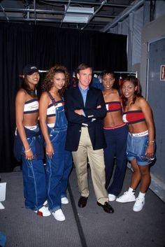 1998 Tommy Hilfiger jeans <br> Denim itself may never go out of style, but some particular styles of jeans definitely do. Tommy Hilfiger Jeans, Tommy Jeans, Tommy Hilfiger Damen, Hilfiger Denim, Hip Hop Fashion, Fashion Week, Fashion Outfits, Fashion Fashion, Destiny's Child