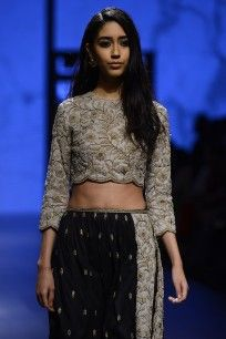 Dove Grey Pearl Work Crop Top with Black and Dove Grey Scalloped Pants #LAKMEFASHIONWEEK #straightofftherunway #salwarset #embroideries #payalsinghal