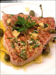 Grilled tuna with lemony butter sauce
