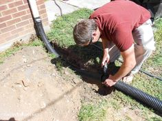 Have you thought about where the water from a gutter is draining, into your house? Here's how to bury a gutter downspout to move water away from the house. Backyard Drainage, Landscape Drainage, Drainage Ditch, Diy Gutters, Copper Gutters, Gutter Colors, Landscaping Blocks, Landscape Solutions, Drainage Solutions