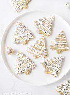 Christmas sugar cookies... with a matcha twist!