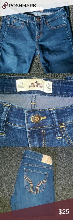 Dark wash Hollister jeans 3s Dark wash jeans. Super Skinny jeans. Hollister Jeans Skinny