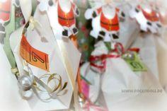 """Das """"Schneiderlein aus dem Schwabenländle"""" – sonst eher bekannt für die schönen Kinderanziehsachen auf Rockndoll.de – hat gleich seine eigene Weihnachtsbilletterie eröffnet; einen Adventskalender mit 2 x 24 Überraschungstütchen. Wir sagen: massiv!"""