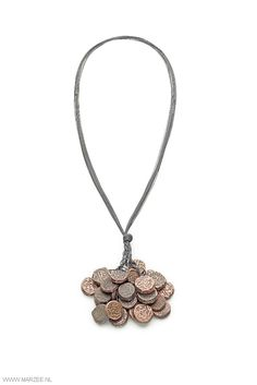 Iris Bodemer - Reserve, 2013 - necklace, Mughal coins, 16th century India, kevlar - 90 x 420 x 30 mm