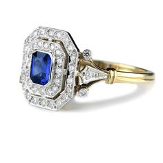 images of unusual enggaement rings | ... cut sapphire and diamond engagement ring | Unique Wedding Rings