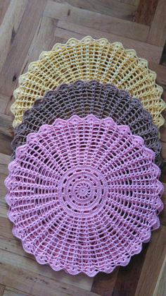 DM on or 9416279147 Crochet Potholder Patterns, Crochet Mat, Crochet Carpet, Crochet Mandala, Crochet Squares, Crochet Home, Filet Crochet, Crochet Crafts, Crochet Doilies