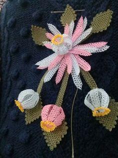 Yenı kolyem henüz bitmedi – my site Crochet Dolls Free Patterns, Crochet Flower Patterns, Crochet Stitches Patterns, Flower Applique, Crochet Flowers, Knitting Patterns, Crochet Mitts, Diy Crochet, Crochet Hooks