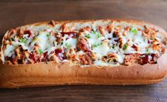 BBQ Chicken Stuffed Bread – Crusty artisan bread filled with cheesy bbq chicken filling. A fun twist to traditional BBQ chicken pizza–perfect for game day appetizers or an easy dinner idea. Naan, Brunch, Pita, Good Food, Yummy Food, Wrap Sandwiches, Bbq Chicken, Appetizers For Party, Hot Dog Buns