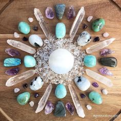 Crystal Mandala, Crystal Grid, Minerals And Gemstones, Crystals Minerals, New Earth, Spiritual Growth, Clear Quartz, Crystal Healing, Turquoise Necklace