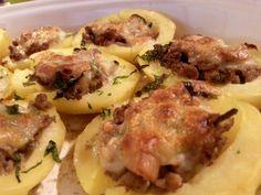 Patatas rellena de carne picada, boletus y queso provola ahumado