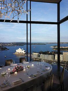 Un hôtel à Sydney avec une vue magnifique | design d'intérieur, décoration, restaurant, luxe. Plus de nouveautés sur http://www.bocadolobo.com/en/inspiration-and-ideas/