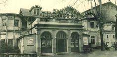 Günümüzde yerine otopark konulmuş olan Şehir Tiyatrosu, bir zamanlar çok aktifti.